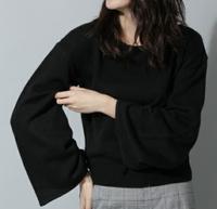 9話黒セーター
