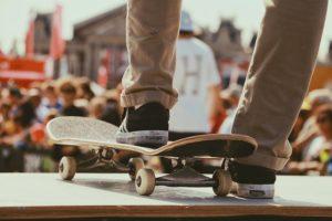 スケートボードと靴