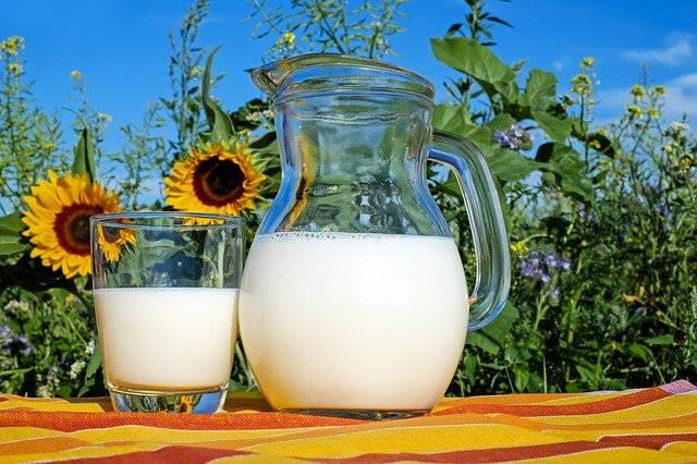 豆乳牛乳グラス